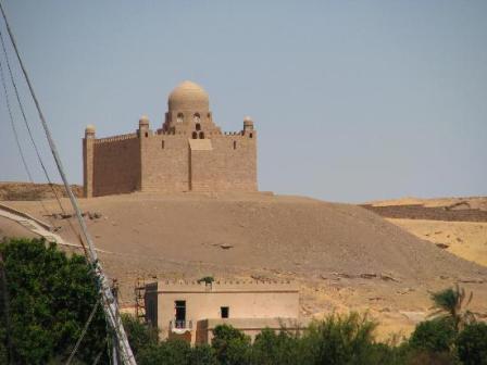 mosoleum-of-agha-khan in aswan