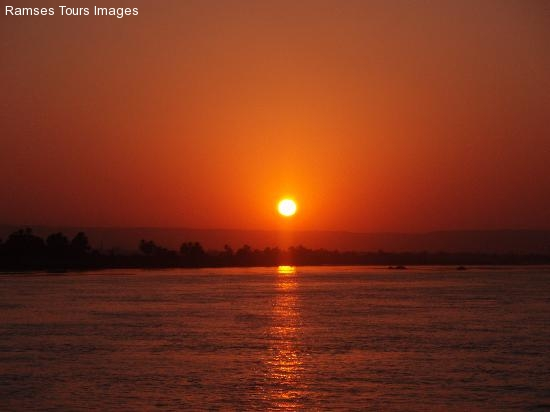 sunset-nile in cairo
